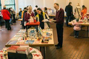 Wir für Sie_Bücherei_St. Nikolaus_2017_11_Buchausstellung_1_Klaus Wiederspahn