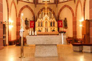 2020_06_Seite Kircheneinrichtung